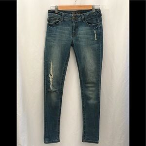DL1961 Amanda Skinny Mayhem Distressed Jeans 27